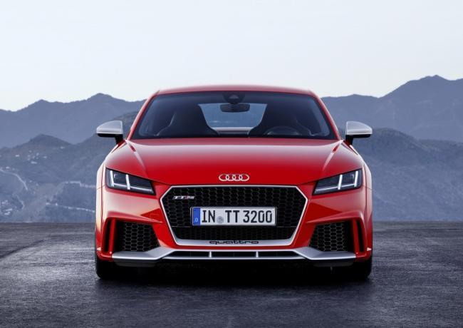 2016-yeni-audi-tt-rs-coupe-ve-roadster-4