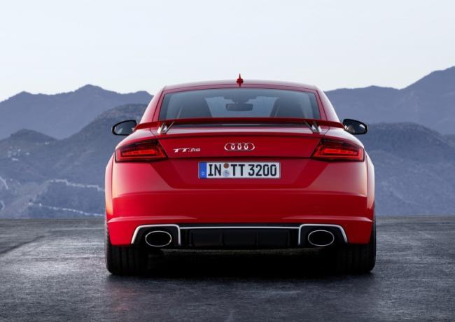 2016-yeni-audi-tt-rs-coupe-ve-roadster-7