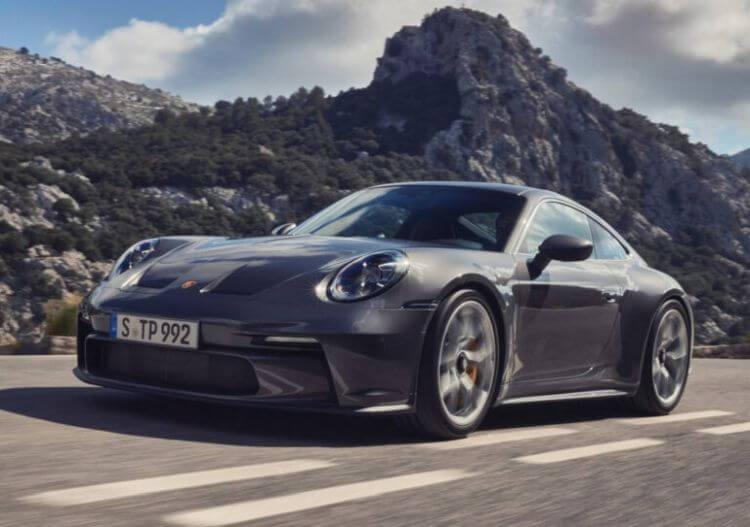 yeni-porsche-911-gt3-touring-2022-model-teknik-ozellikleri-fotograflari-1