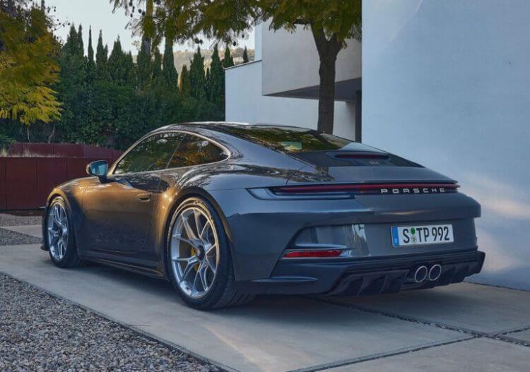 yeni-porsche-911-gt3-touring-2022-model-teknik-ozellikleri-fotograflari-2