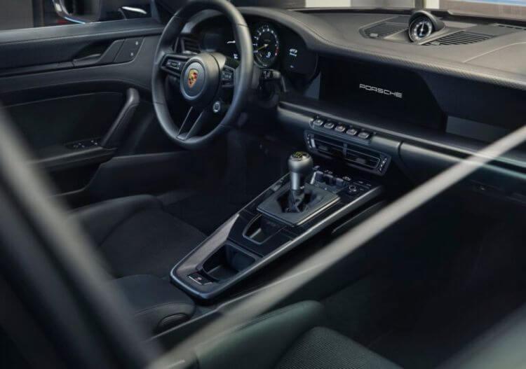 yeni-porsche-911-gt3-touring-2022-model-teknik-ozellikleri-fotograflari-3